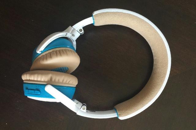 SoundLink_on-ear_Bluetooth_10.jpg