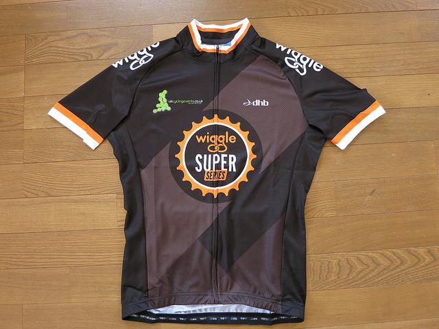 dhb_Wiggle_Super_Series_Jersey_03.jpg