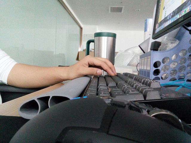 i-Spire_Keyboard_WristRocker_05.jpg